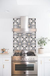 wallpaper-or-peel-and-stick-kitchen-backsplash